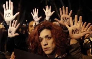 ciudadanos-Chipre-protestan-rescate-Parlamento_ESTIMA20130319_0337_8